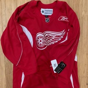 NWT Detroit redwings Reebok hockey jersey